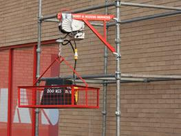 Image of Scaffold / Electric Hoist